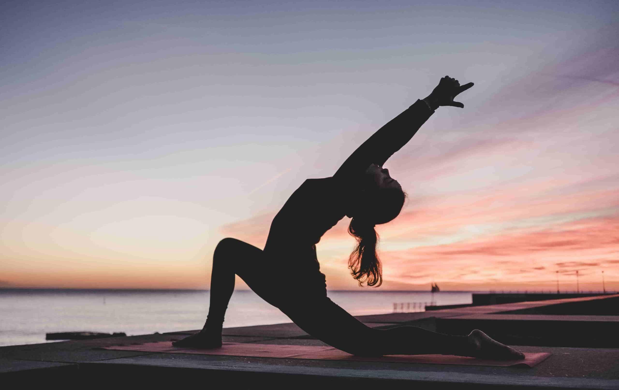 Einfache Yoga Übungen für zu Hause